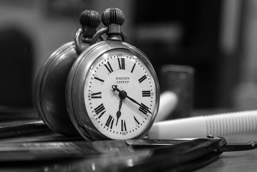 Plano detalle reloj vintage