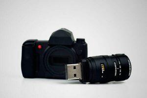 USB pendrive con forma de cámara de fotos