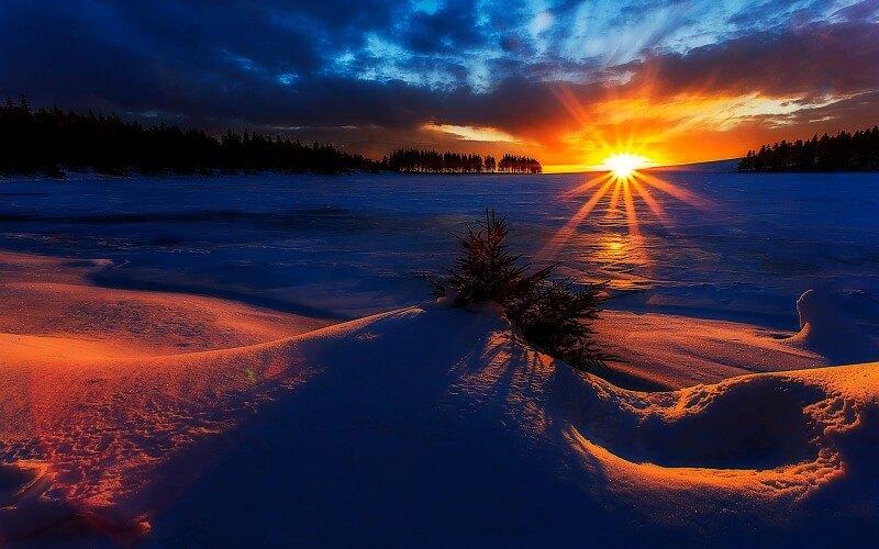Fotografiando el amanecer en un paisaje de montaña