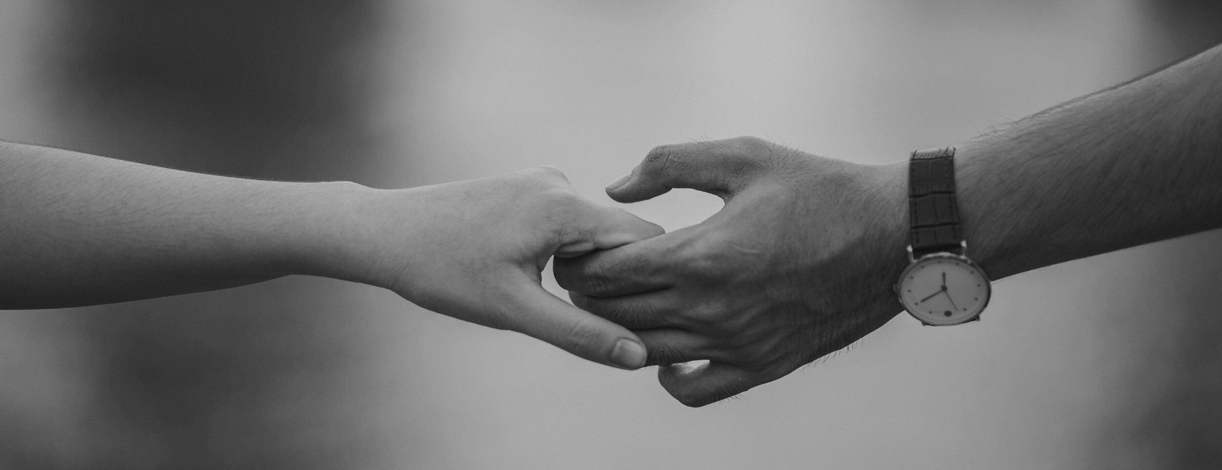 Manos en blanco y negro